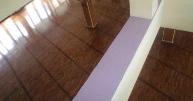 pemasangan lantai kayu Jati Mesjid