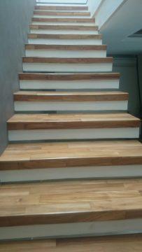 parket tangga kayu untuk anak tangga trap 2