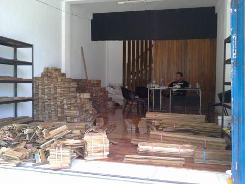 showroom lantai kayu Serpong Tangerang