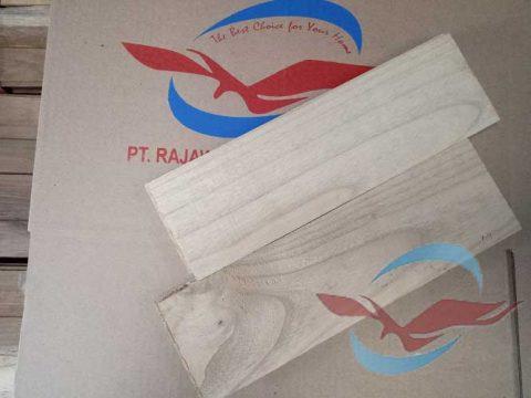 lantai kayu Parquet Sungkai balikpapan