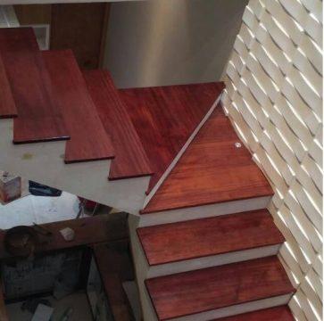 contoh pemasangan papan tangga kayu 2