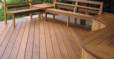 decking kayu sebagai pagar