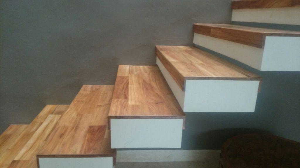 parket tangga kayu untuk anak tangga trap 3