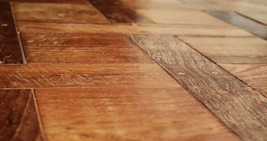 hindari kelembaba pada lantai kayu