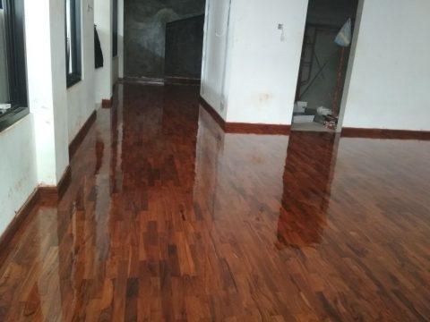 lantai kayu jati indoor