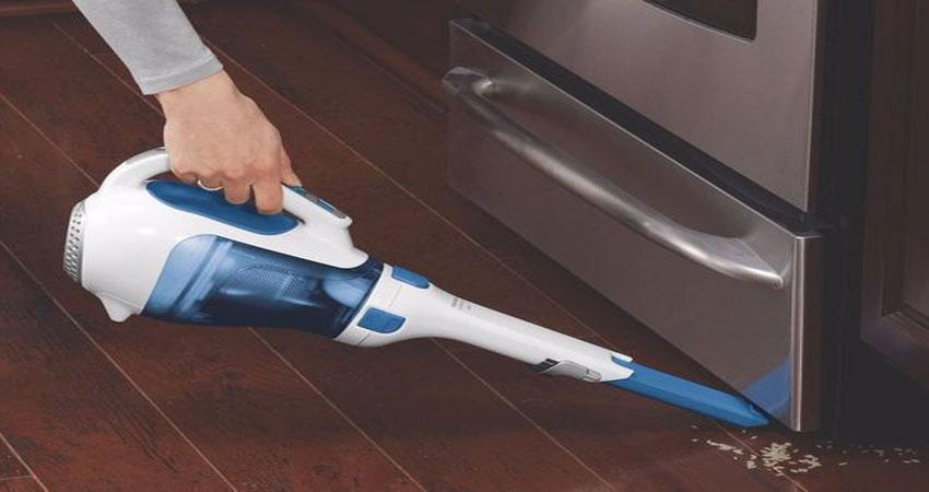 rutin membersihkan lantai kayu