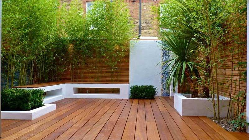 decking kayu merbau untuk taman hunian minimalis