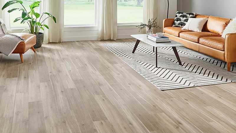 lantai vinyl motif kayu sering digunakan untuk ruangan