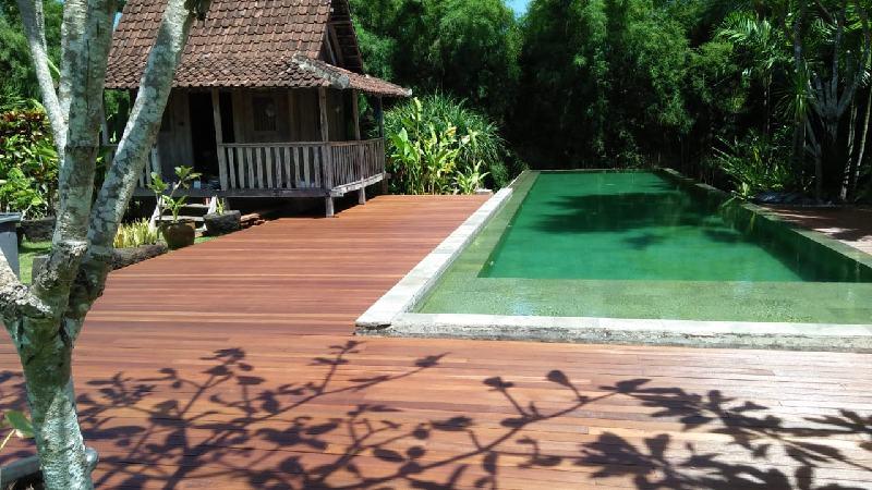 decking kolam