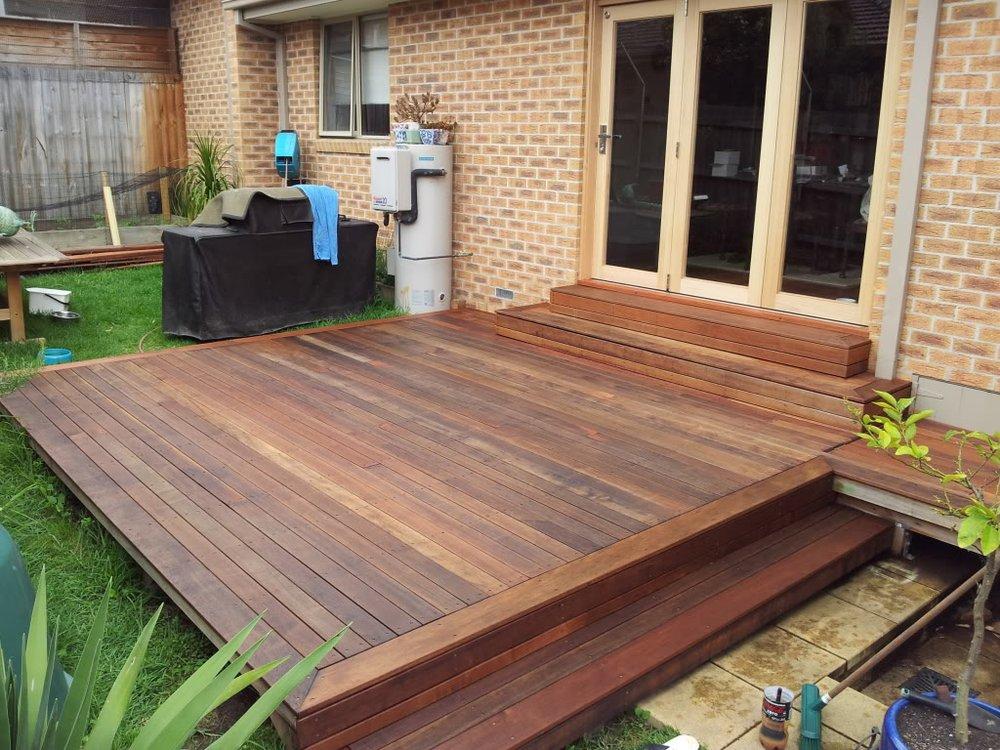 lantai kayu untuk masjid