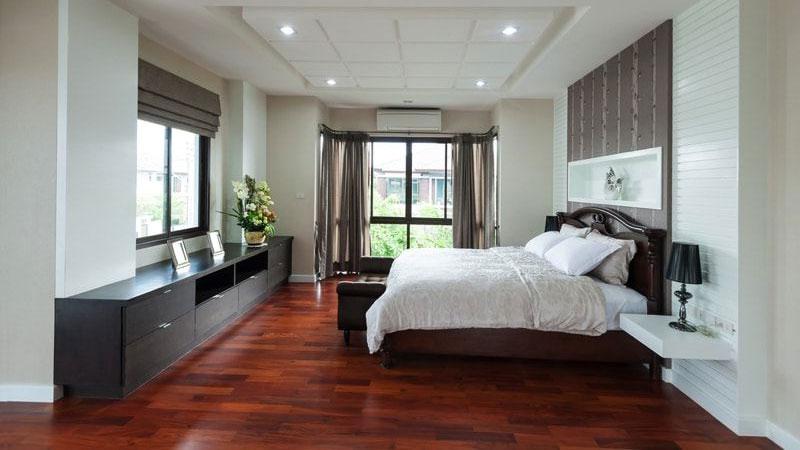 Rekomendasi lantai kayu merbau untuk kamar tidur minimalis
