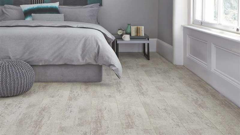 Kekurangan & kelebihan memakai lantai vinyl untuk kamar tidur