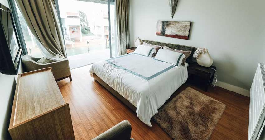desain kamar lantai kayu