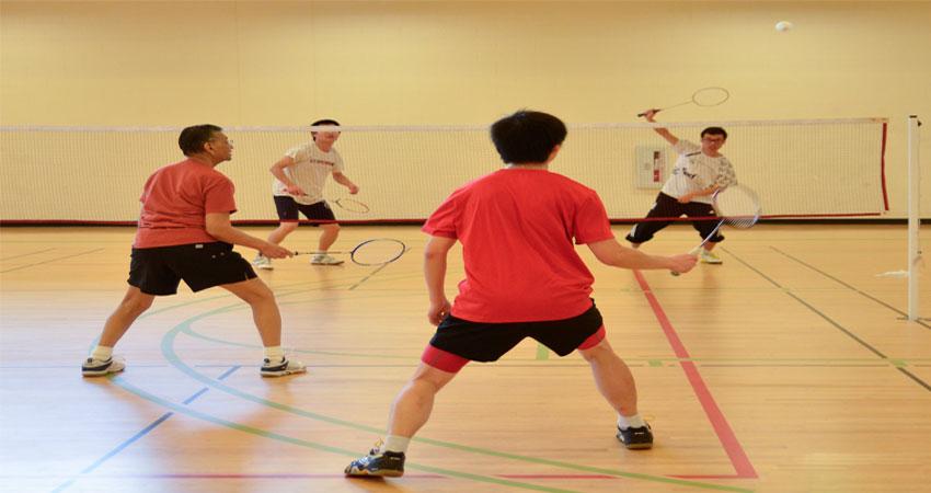 kelebihan lantai parket badminton