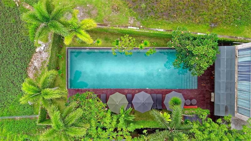 desain kolam renang persegi panjang langsing
