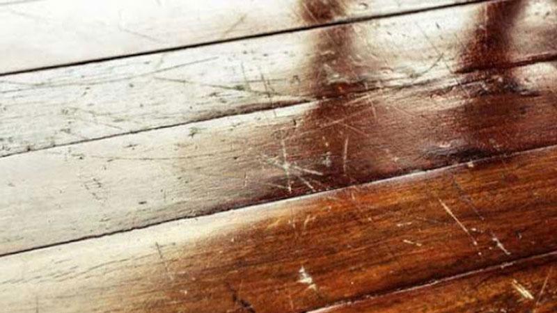 Mencegah goresan pada lantai spc