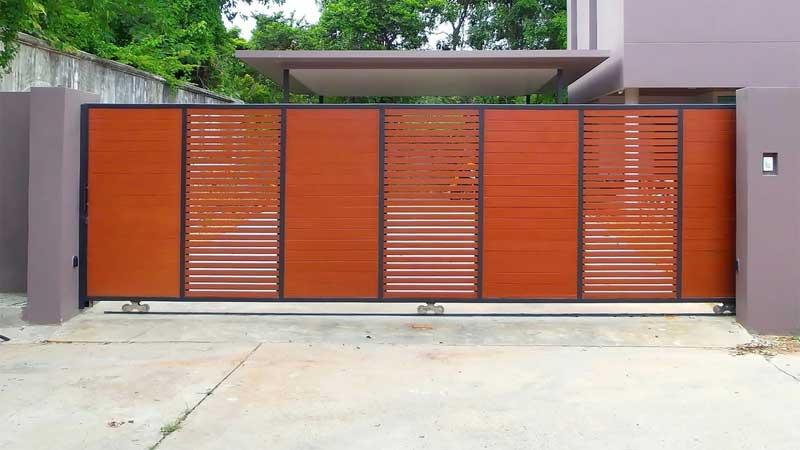 inspirasi desain pagar kayu horizontal