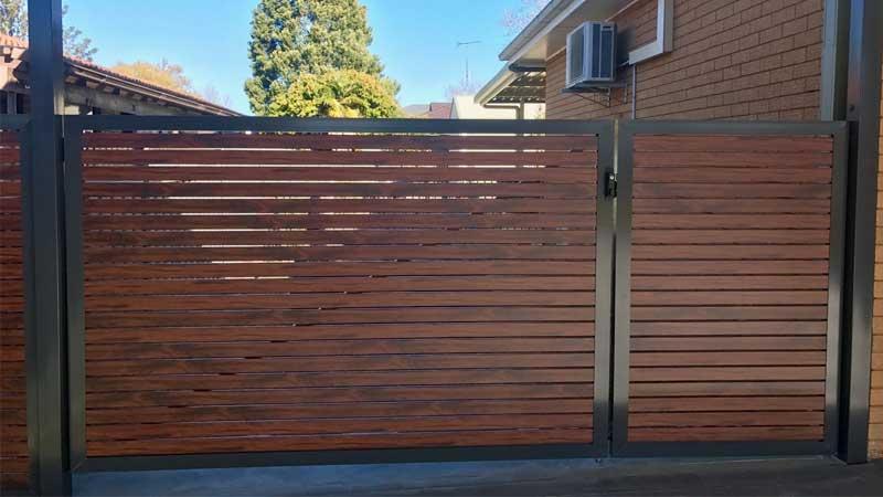 rekomendasi pagar kayu minimalis