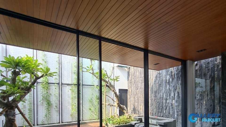 plafon kayu atau lambersering